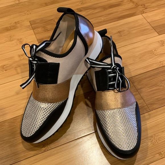 dfff3251be4 Steve Madden Antics rose gold sneakers NWOT